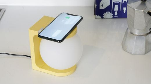 Plat Light with Wireless Charging, Canary Yellow